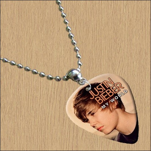JB pick necklace