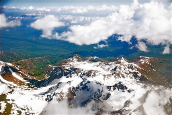 flying-over-pamir-mountains-