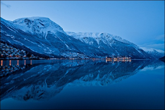 winter-refelction-in-odda-