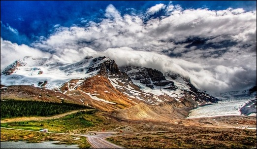 clouds-touching-mountains