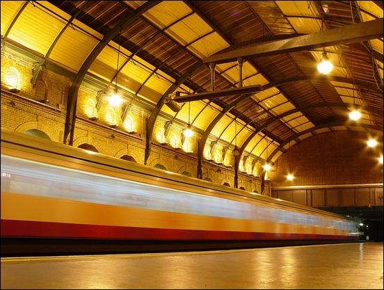 train-blur