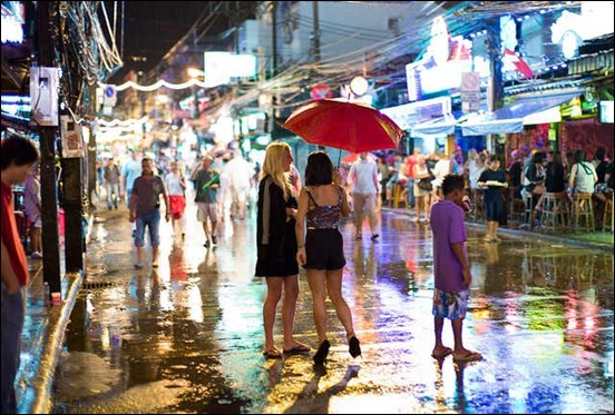 rainy-night-in-patong