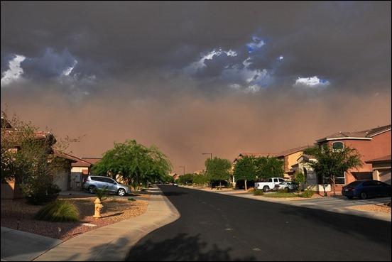 massive-dust-storm-11