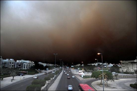 massive-kuwait-sand-storm-